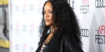"Rihanna: The Healthy ""Thick"" Weight Plan"