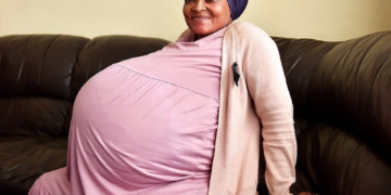 Woman Gives Birth to 10 Babies...all at Once!